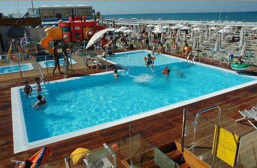 Beach village riccione hotel nautilus riccione for Piscine da sogno e da record